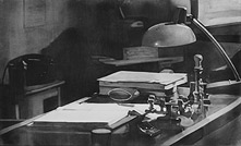 [thumbnail of Olexander Wlasenko's Desk]